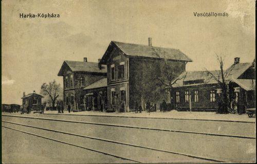 Harka-Kópháza; Vasútállomás